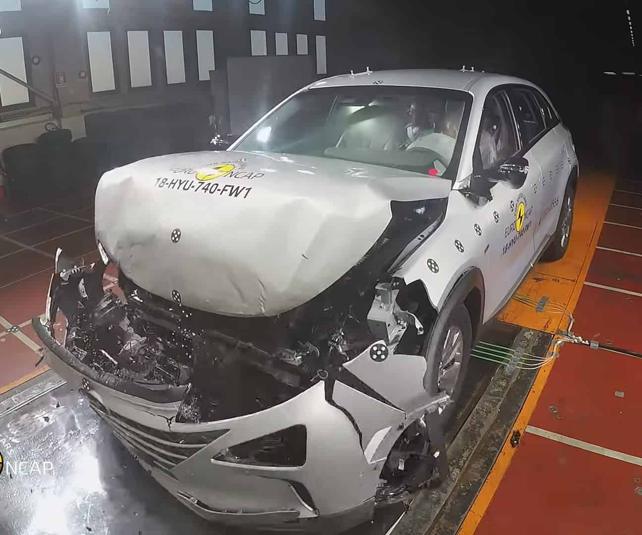Hyundai Nexo hydrogen car crash test from NCAP