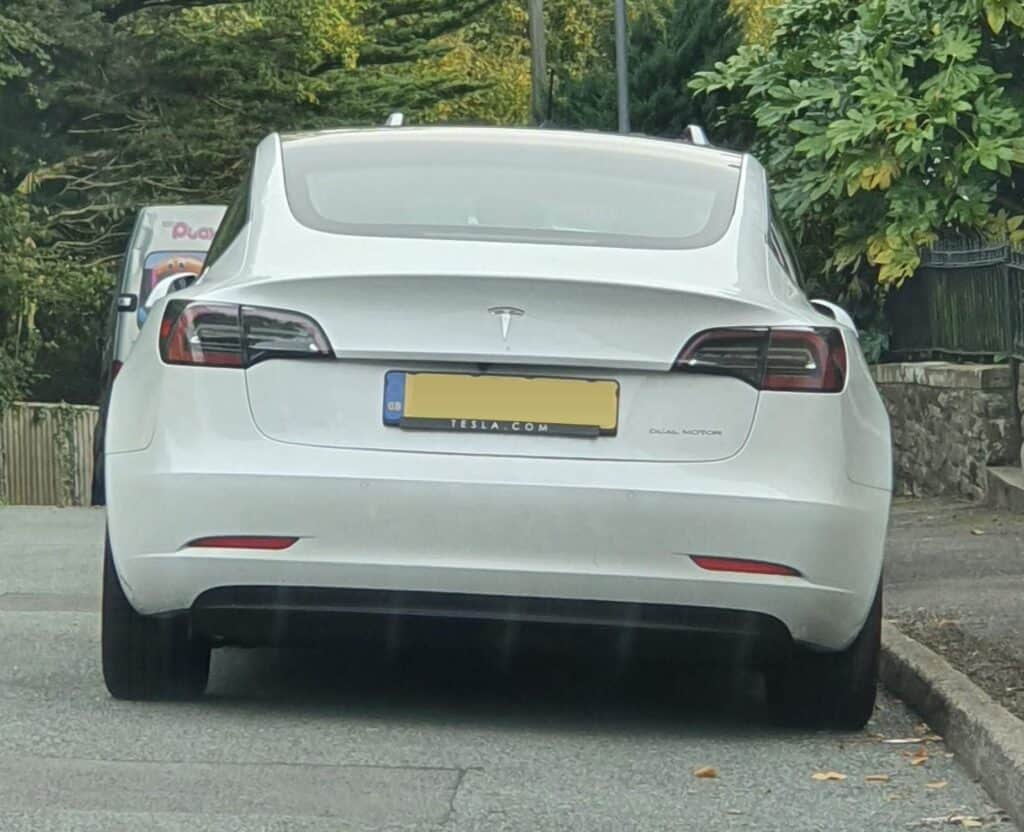 White Tesla Model 3 Dual Motor Long Range UK car